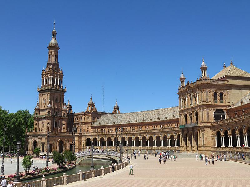 Bras de la place d'Espagne