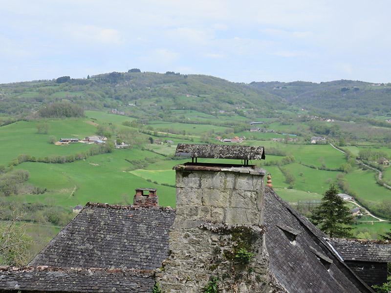 Vue sur la vallée depuis Turenne