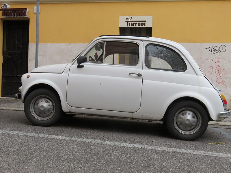 Fiat 500 dans le centre de Rome