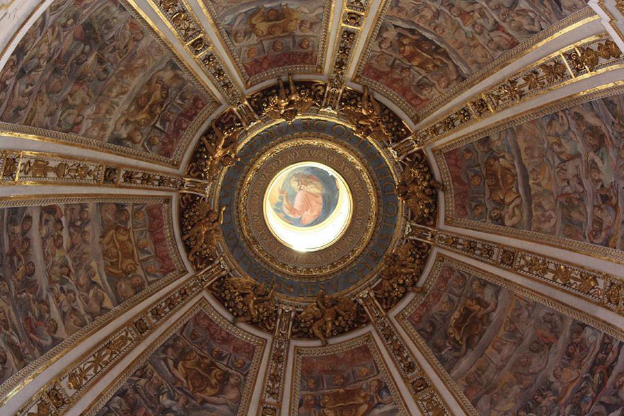Coupole d'église romaine