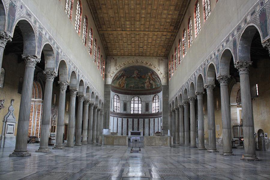 Eglise de Sainte-Sabine, intérieur