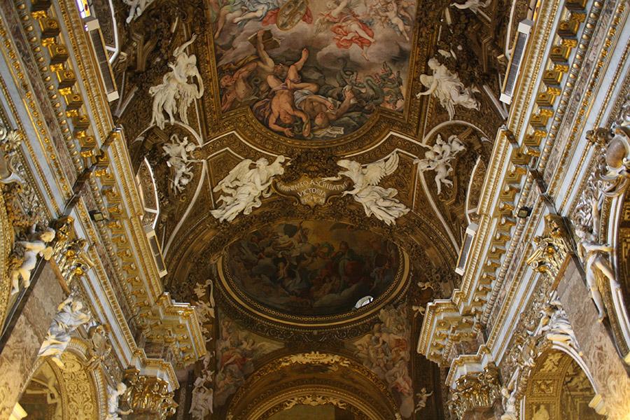 Style baroque dans une église italienne