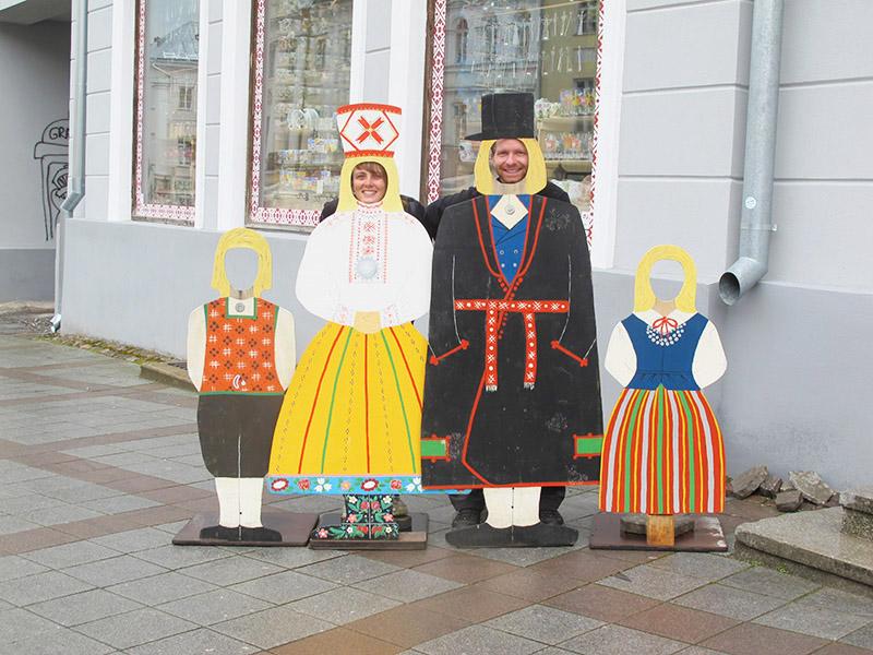 Tatiana et Romain en locaux de Tartu