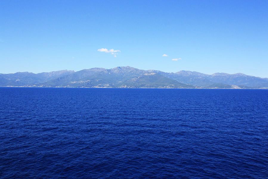 mer méditerranée en ferry
