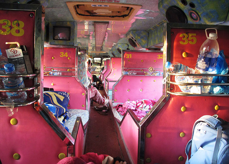 laos_pakse_vientian_bus_night (11)