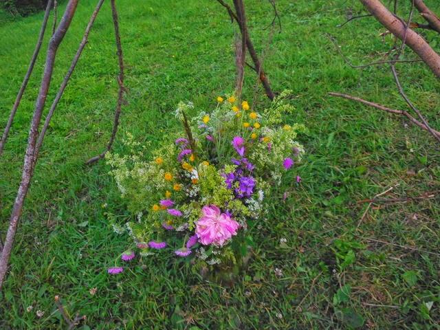Fleurs pour le festival paien ligo