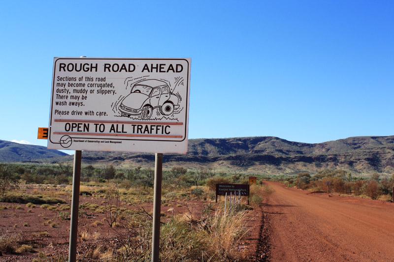 Gravel road vers Karijini