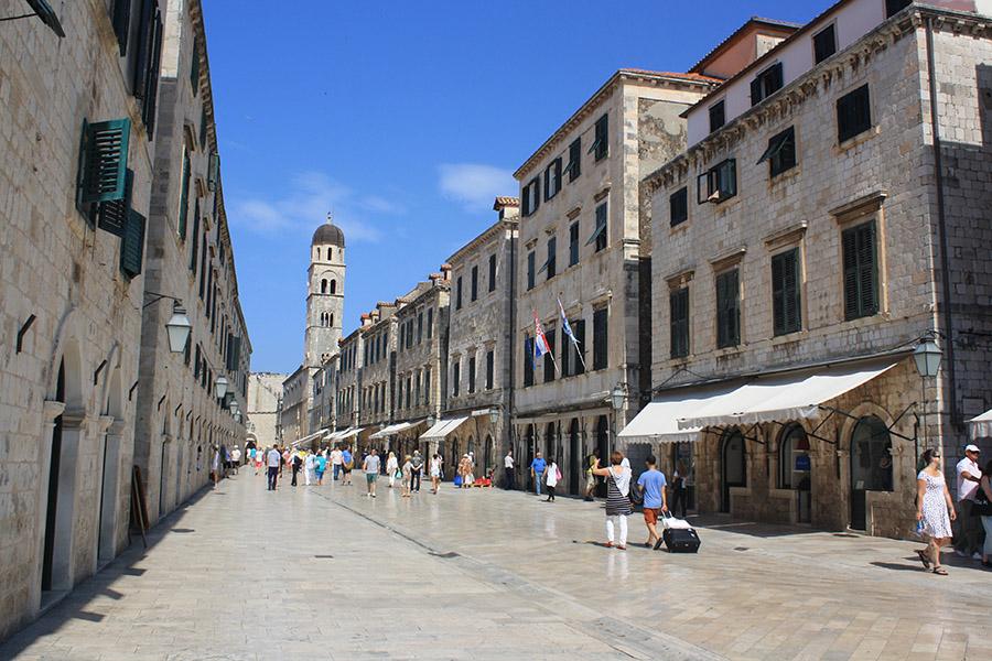 Rue principale, Stradun ou Place de Dubrovnik