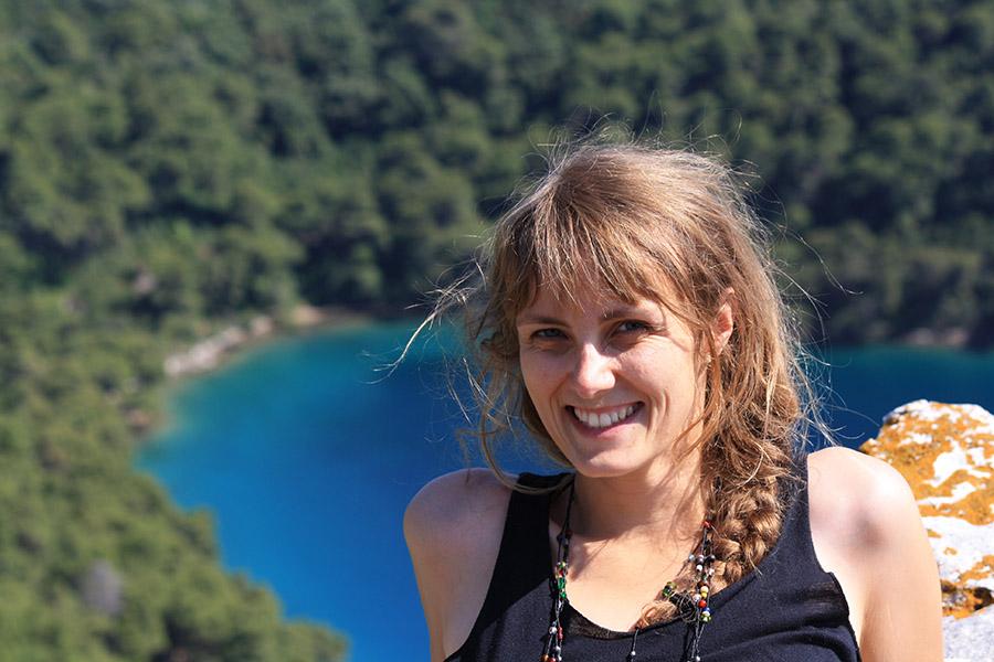 Tatiana en bain de soleil en Croatie