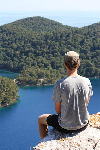 Romain médite en Croatie