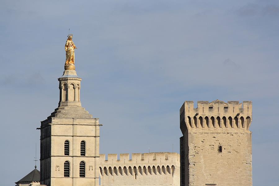 Créneaux palais d'Avignon