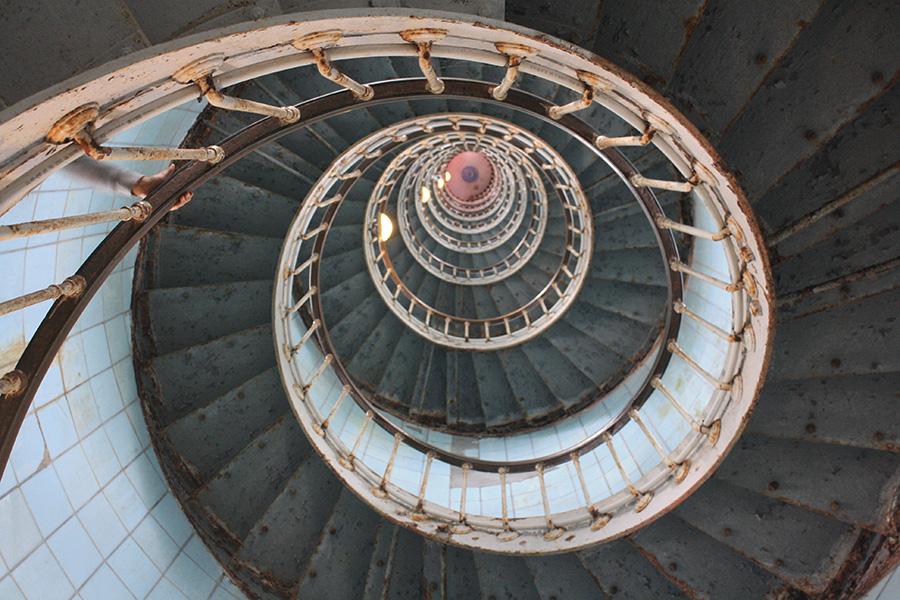 Escalier métallique du phare de la Coubre