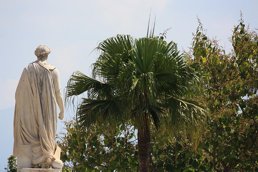 Statue de Napoléon, le corse