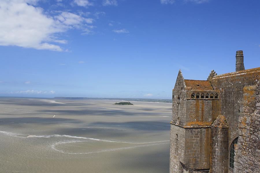 Vue sur la baie du Mont Saint Michel depuis l'abbaye