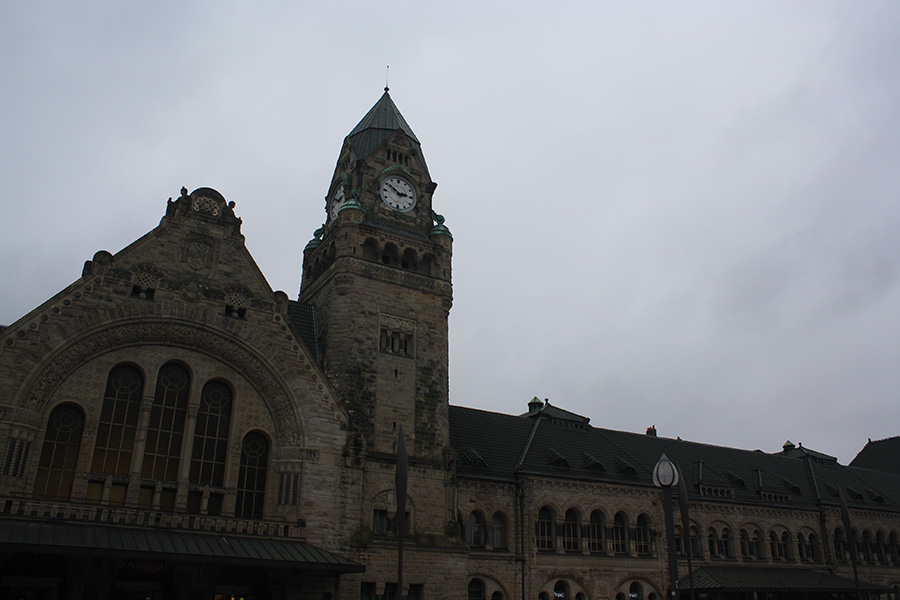 Metz et sa gare chateau-fort