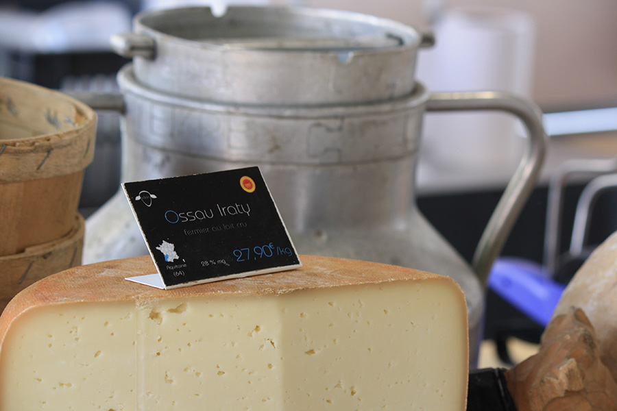 Fromage Ossau Iraty sur le marché d'Anglet