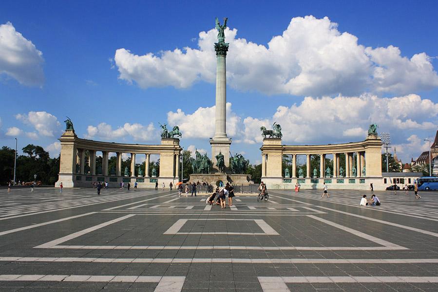 La place des héros, Budapest