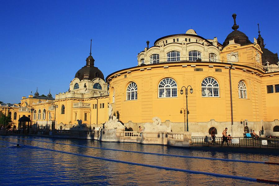 Extérieur des bains , thermes de Budapest
