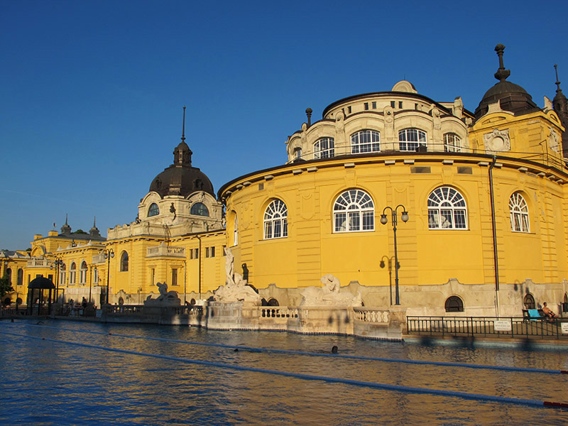 Les bains Széchenyi de Budapest