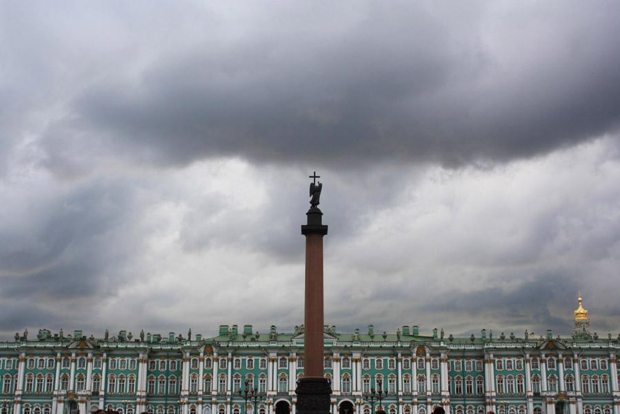 Colonne d'Alexandre devant l'Ermitage