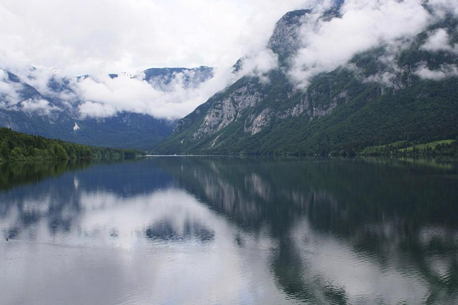 Lac de Bohinj en Slovénie